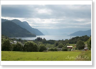 Mountain landscapes. Norway. Fiords. 7764